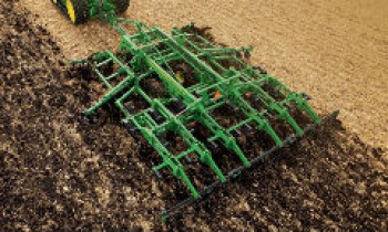 CroppedImage350210-JohnDeere-PrimaryTillage.jpg
